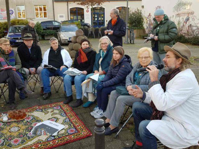 https://www.soziokultur.de/wp-content/uploads/2020/03/Pressegespräch_Die-Wüste-lebt_Daniele-Camilla-Raimund_WhatsApp-Image-2019-12-04-at-19.21.24_3-640x480.jpg